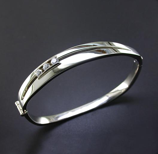 JamesBradshaw-Goldsmith-Bracelet3.jpg