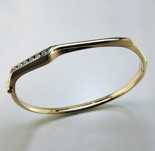 JamesBradshaw-Goldsmith-Bracelet4.jpg
