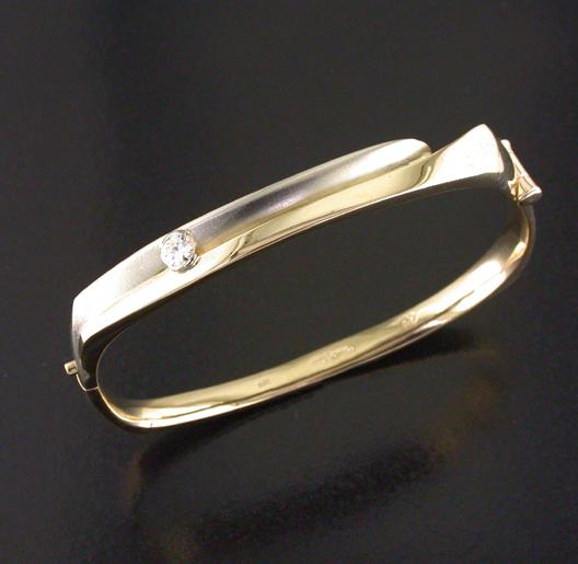 JamesBradshaw-Goldsmith-Bracelet12.jpg