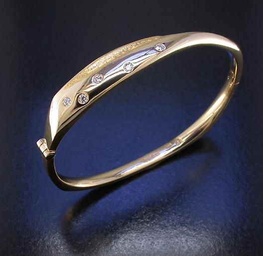 JamesBradshaw-Goldsmith-Bracelet14.jpg