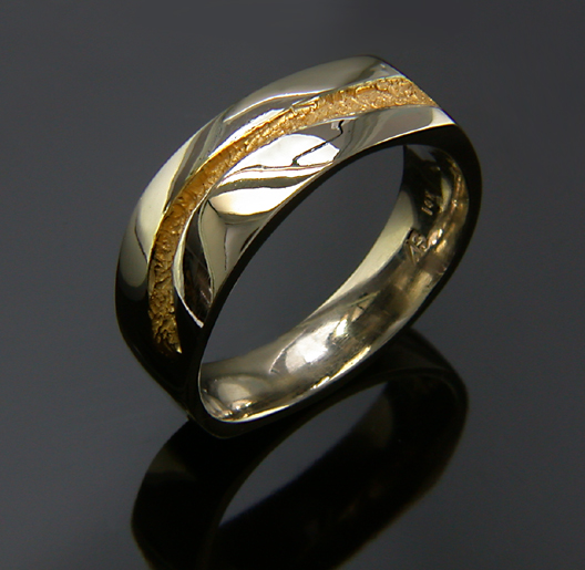 JamesBradshaw-Goldsmith-Gold-and-Diamond-Bandring7.jpg