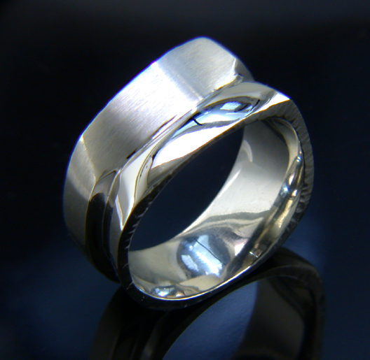 JamesBradshaw-Goldsmith-Gold-and-Diamond-Bandring10.jpg