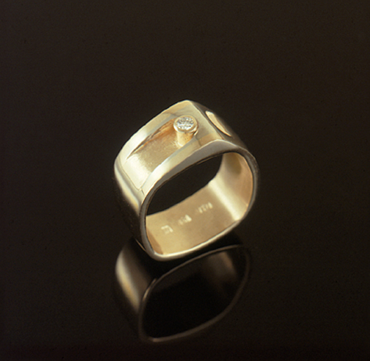 JamesBradshaw-Goldsmith-Gold-and-Diamond-Bandring19.jpg