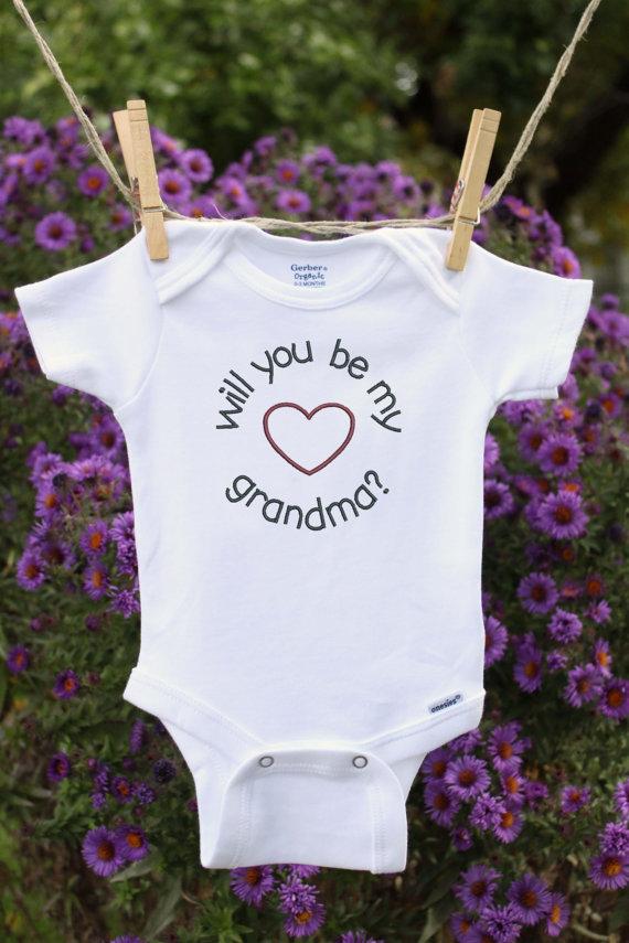 https://www.etsy.com/dk-en/listing/228301083/pregnancy-reveal-to-grandma-pregnancy?ga_order=most_relevant&ga_search_type=all&ga_view_type=gallery&ga_search_query=pregnancy%20announcement&ref=sr_gallery_16