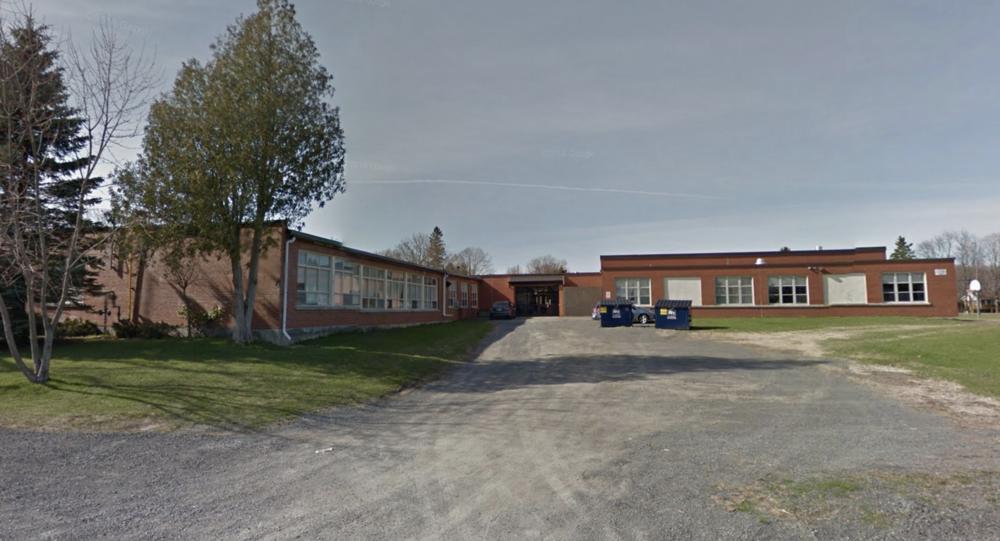 W.J. HOLSGROVE - Public School