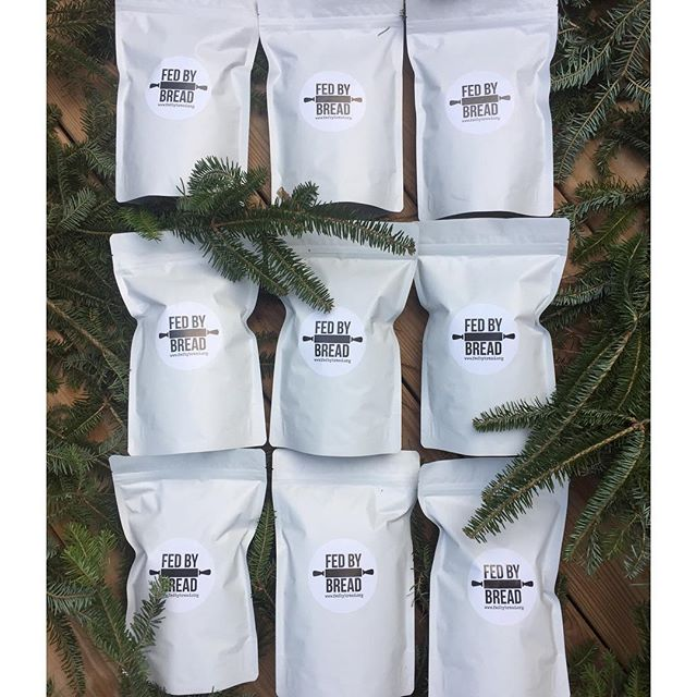 Need stocking stuffers? We've got you covered!🤗 We have gift options ranging from granola to ornaments so there's something for everyone!  Head over to our website to order your goods now! www.fedbybread.org🌟