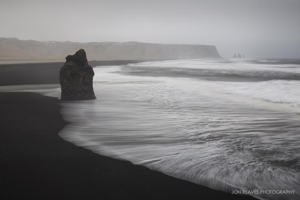 Dyrholaey, Iceland (Nikon D600, 18-35G :35mm, ISO 100, f10, 3 sec, tripod, polarizer, 6 stop ND)