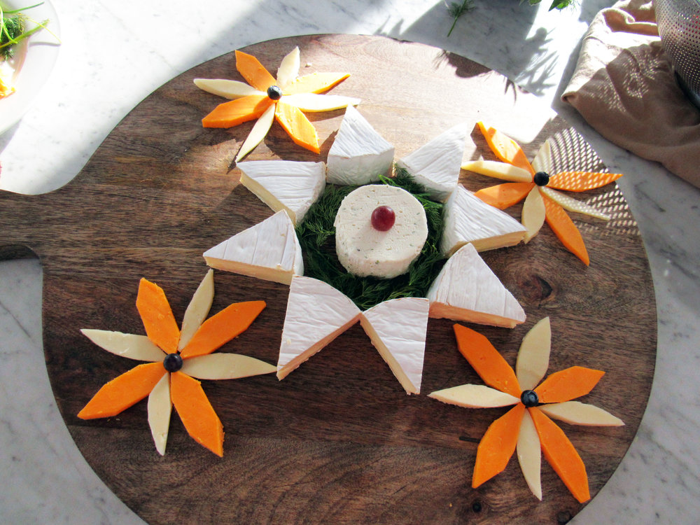 mandala_cheese board_design.jpg