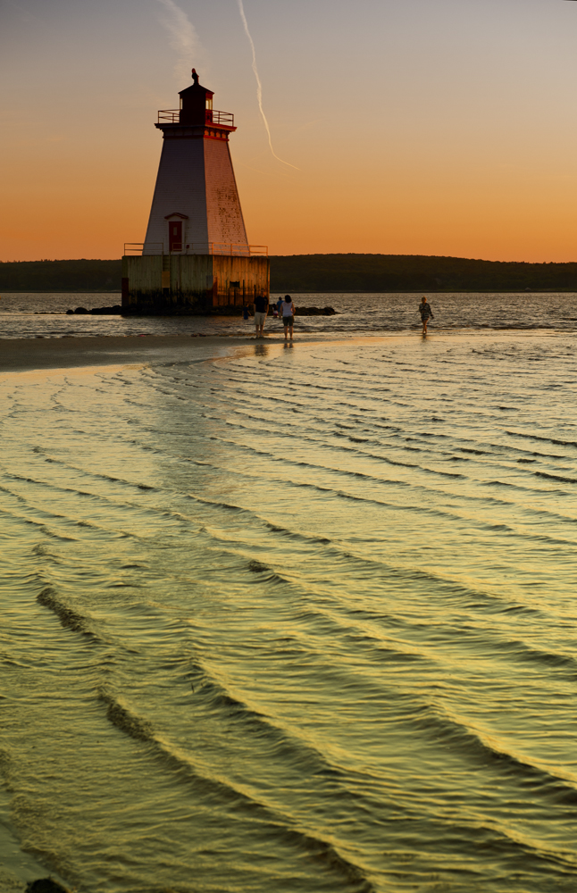 Sandy Point Lighthouse Beach_051A.jpg