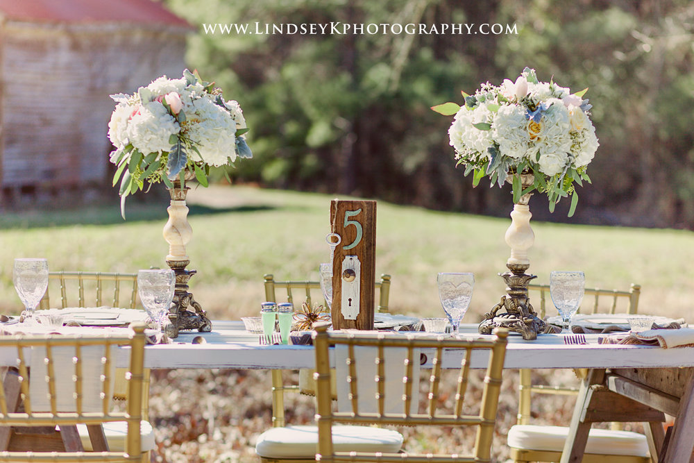 vintage-country-wedding-table.jpg