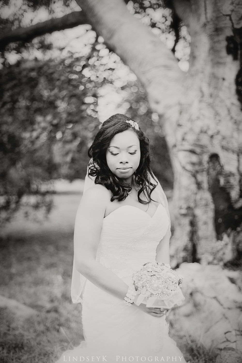 black-and-white-classic-bridal-portraits