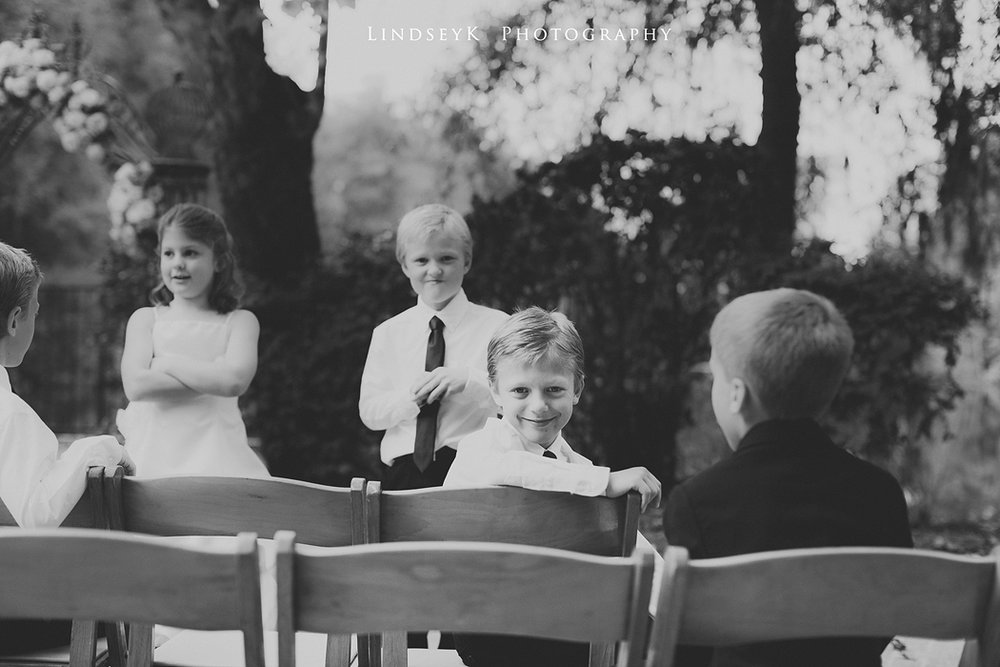 kids-at-wedding