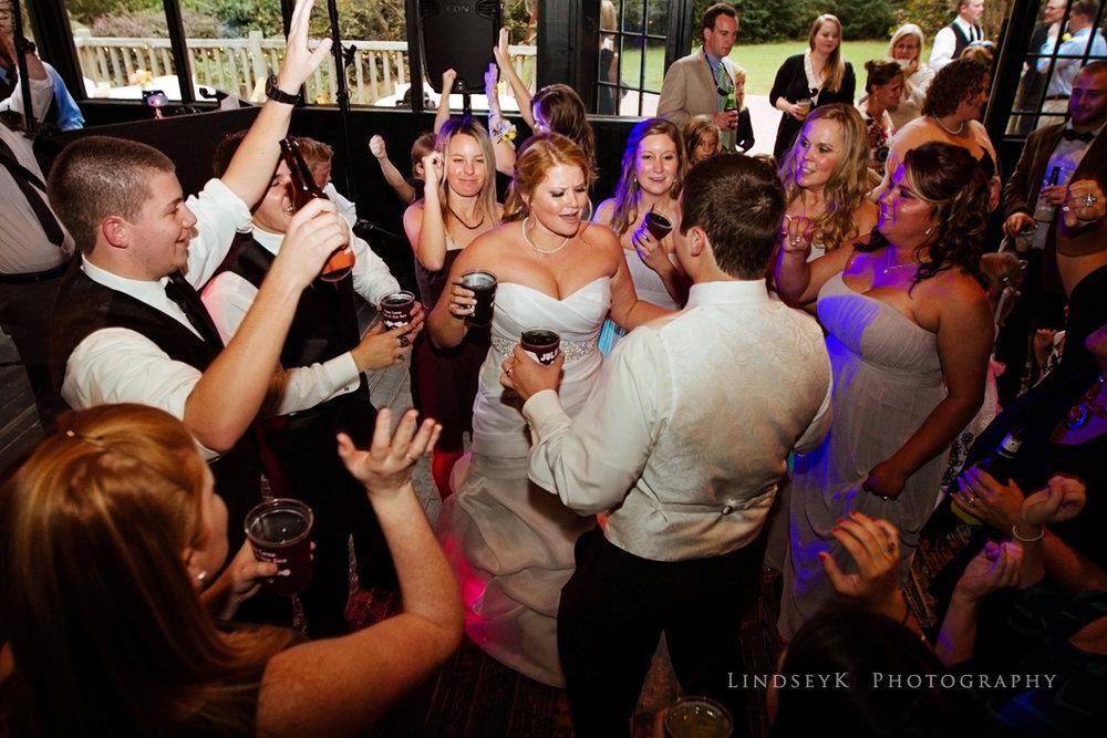 reception-dancing-cirle