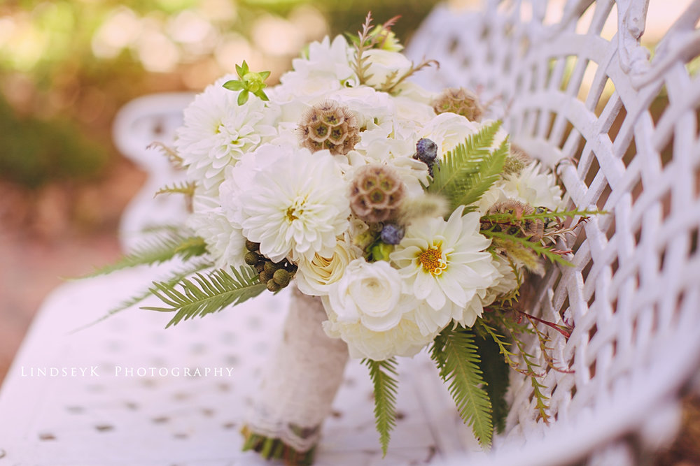 cream-fall-wedding-bouquet