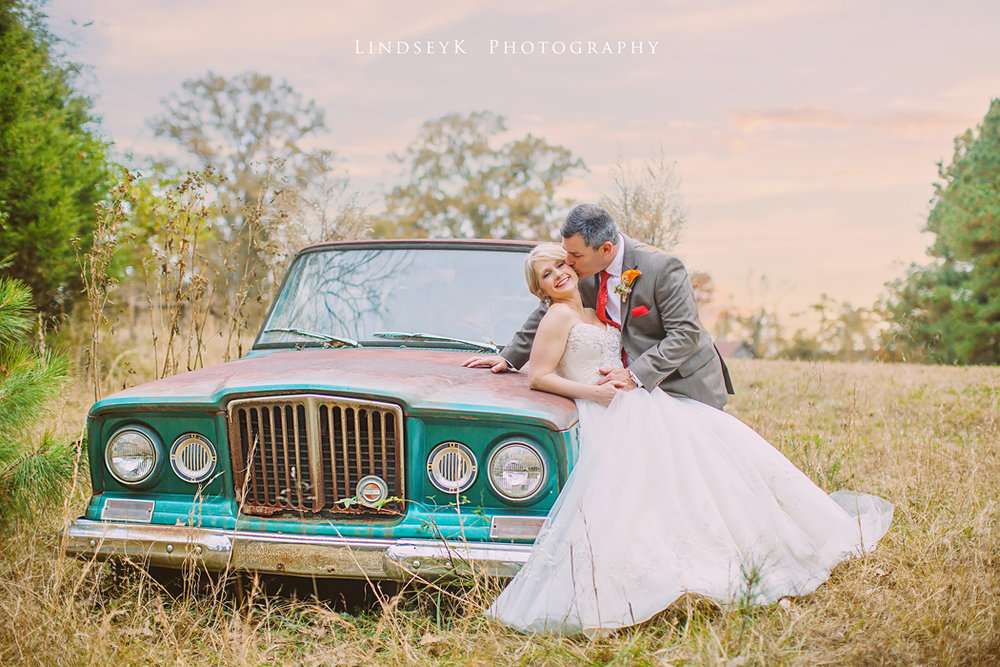 old-car-wedding-photo