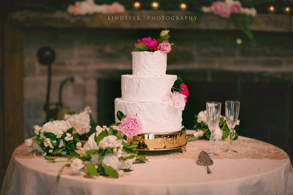 cake-with-peonies.jpg