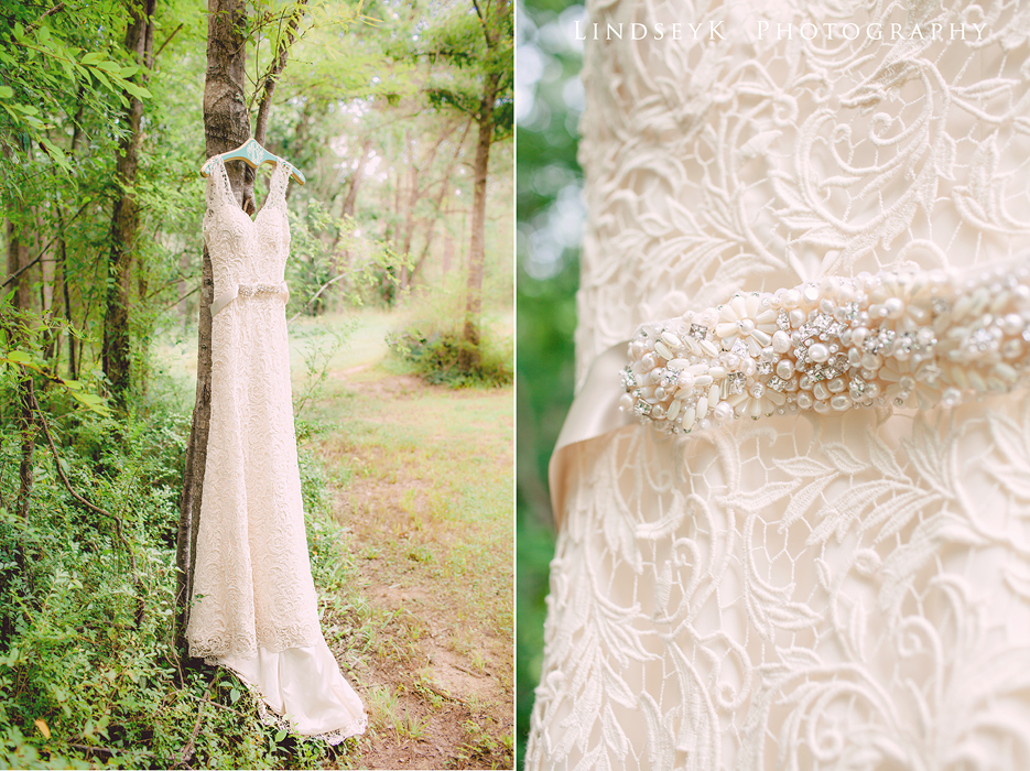 ivory-lace-wedding-dress.jpg