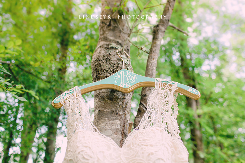 vintage-wedding-hanger.jpg