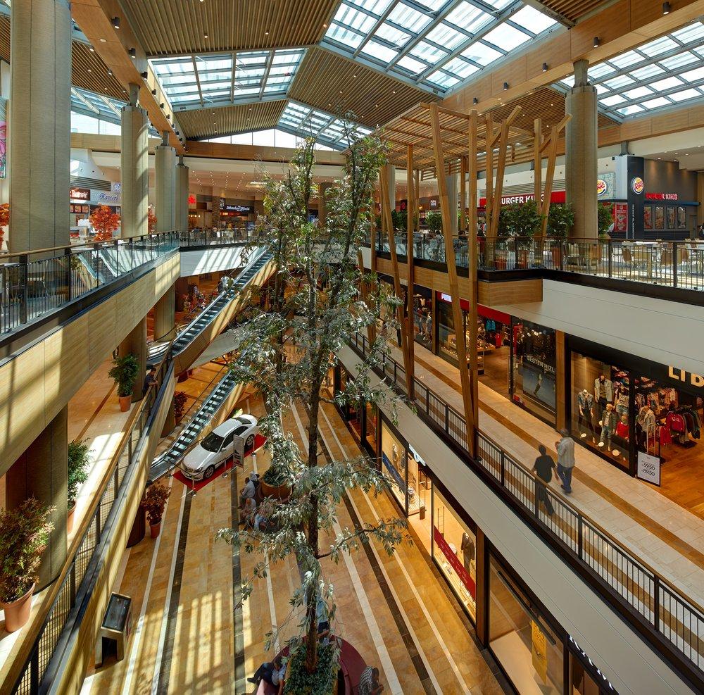 Retail Interior Piazza Maras