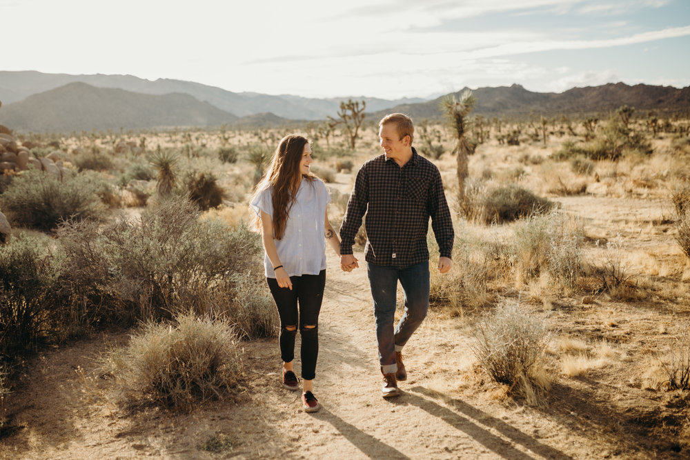 Joshua Tree National Park Adventure Couples Session Photographer Payton Marie Photography-1.jpg