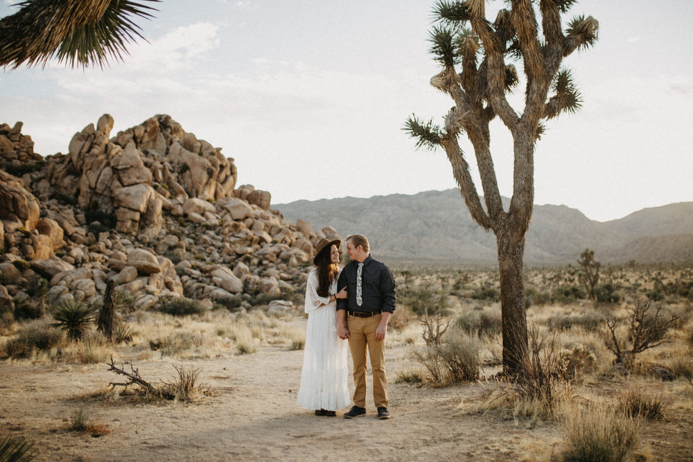 Joshua Tree National Park Adventure Couples Session Photographer Payton Marie Photography-8.jpg