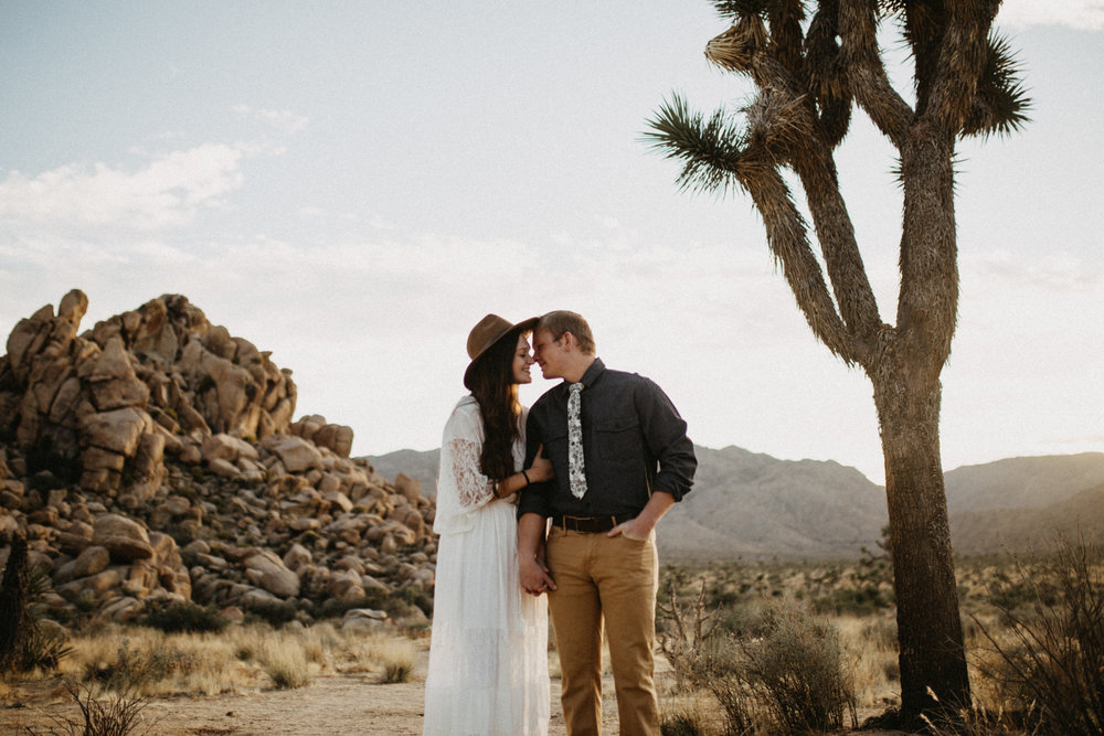 Joshua Tree National Park Adventure Couples Session Photographer Payton Marie Photography-9.jpg