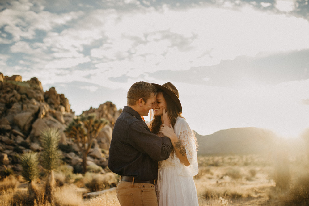 Joshua Tree National Park Adventure Couples Session Photographer Payton Marie Photography-17.jpg