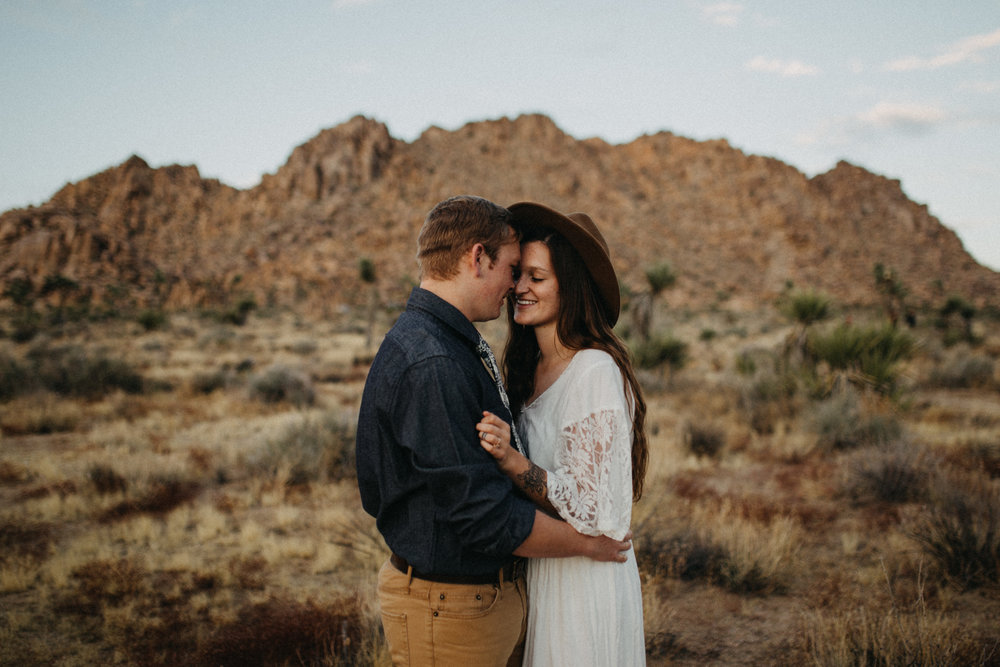 Joshua Tree National Park Adventure Couples Session Photographer Payton Marie Photography-29.jpg