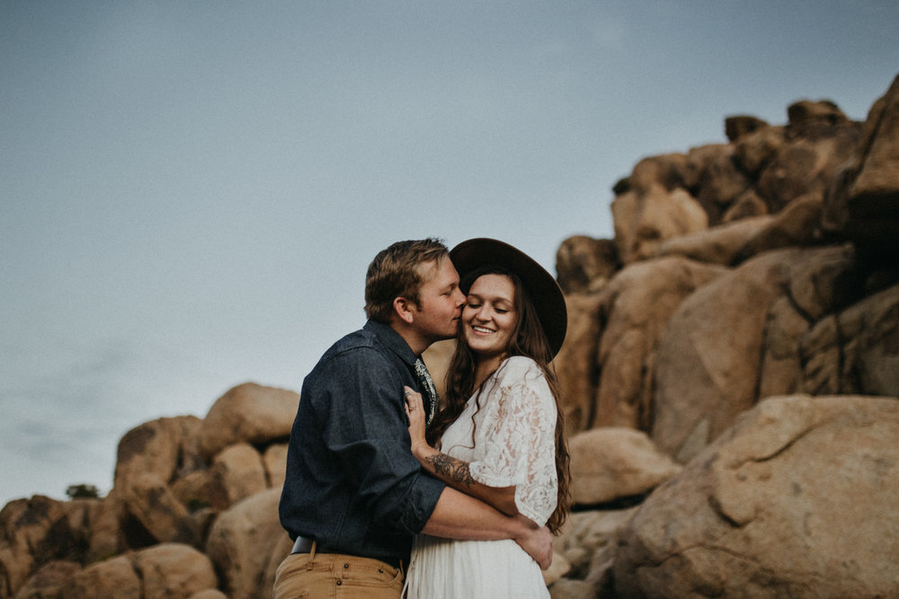 Joshua Tree National Park Adventure Couples Session Photographer Payton Marie Photography-34.jpg