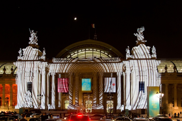 Dominic Harris. Concentric Study, 2015, projected on the facade of the Grand Palais, Paris