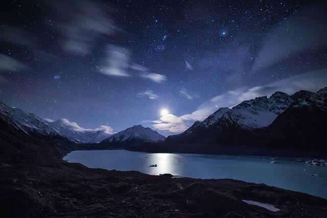 Lake Tasman Moonrise, Tasman Glacier New Zealand @theartofnight #nzkiwiadventures