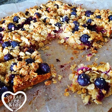 Lunchbox-slice-lunch-box-treat-blueberry-crumble