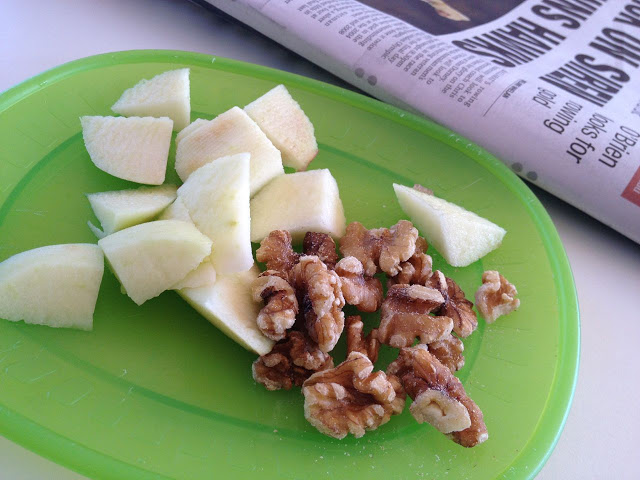 snack+apple+walnuts.jpg