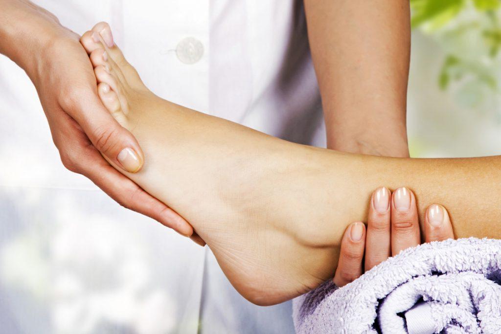 Foot-Massage City2Surf Dani Stevens Airbnb