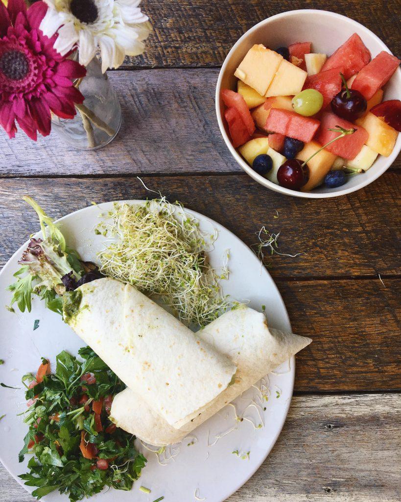 Travel healthy food Dani Stevens