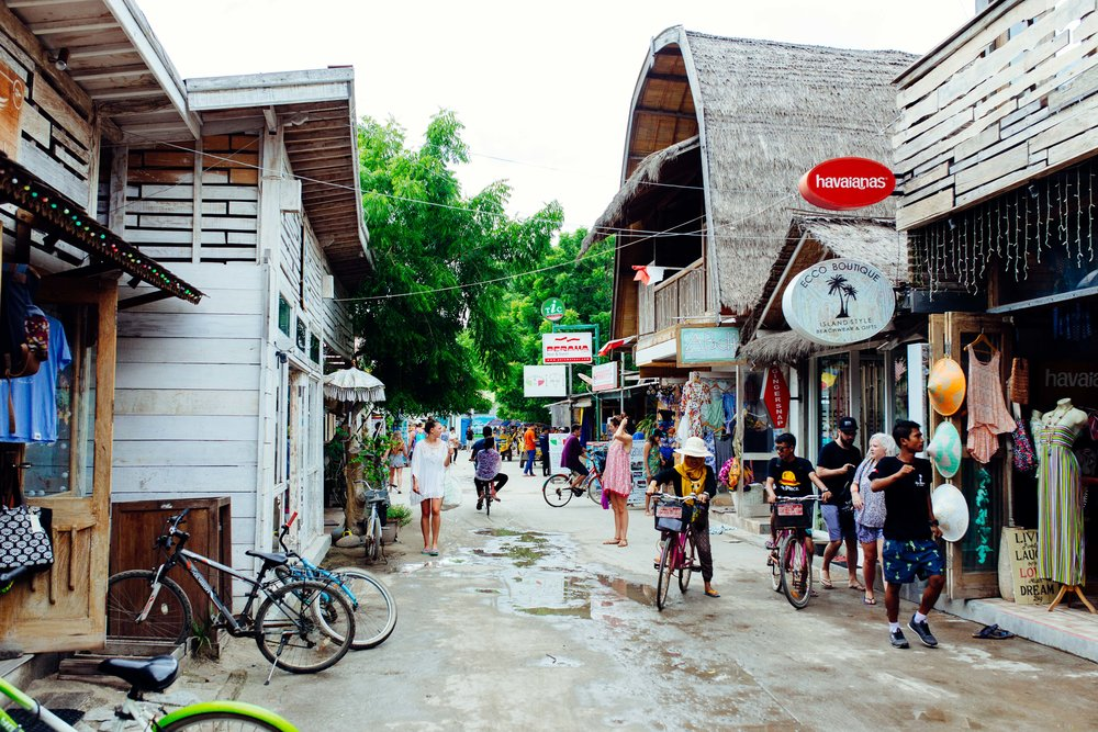 main street of Gili T tourists