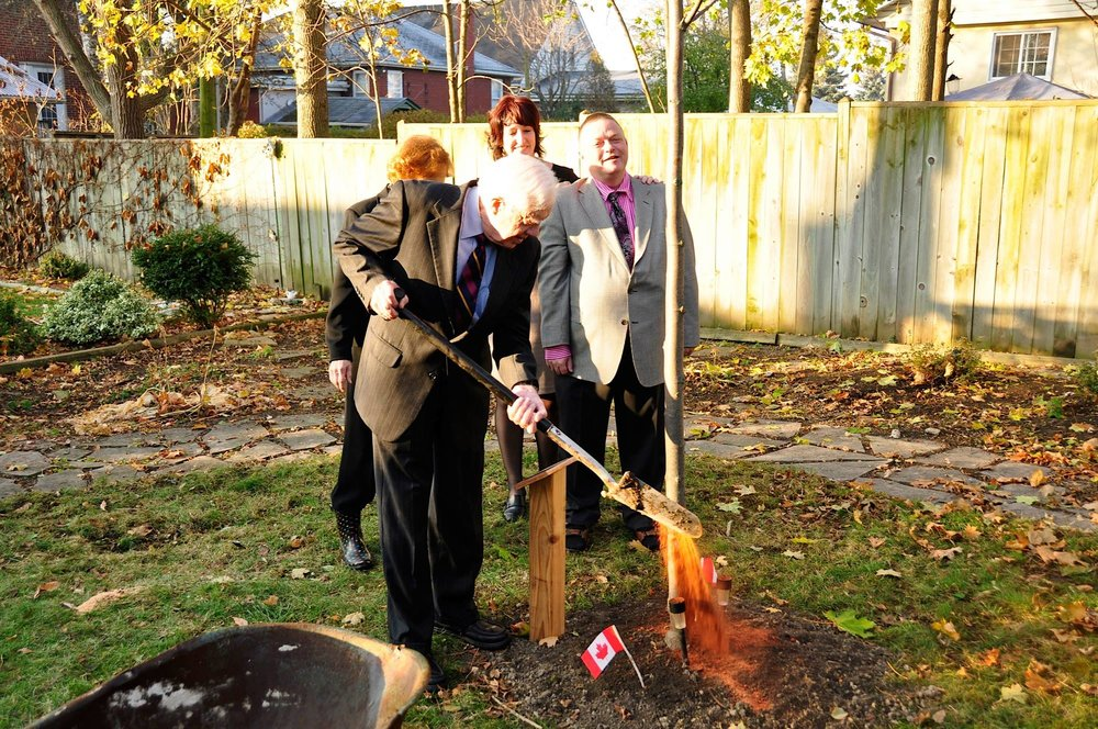 That time when Jimmy Carter planted a tree in Art Milnes's backyard (photo courtesy Art Milnes)