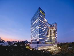 Hotel Shangri-La.jpg