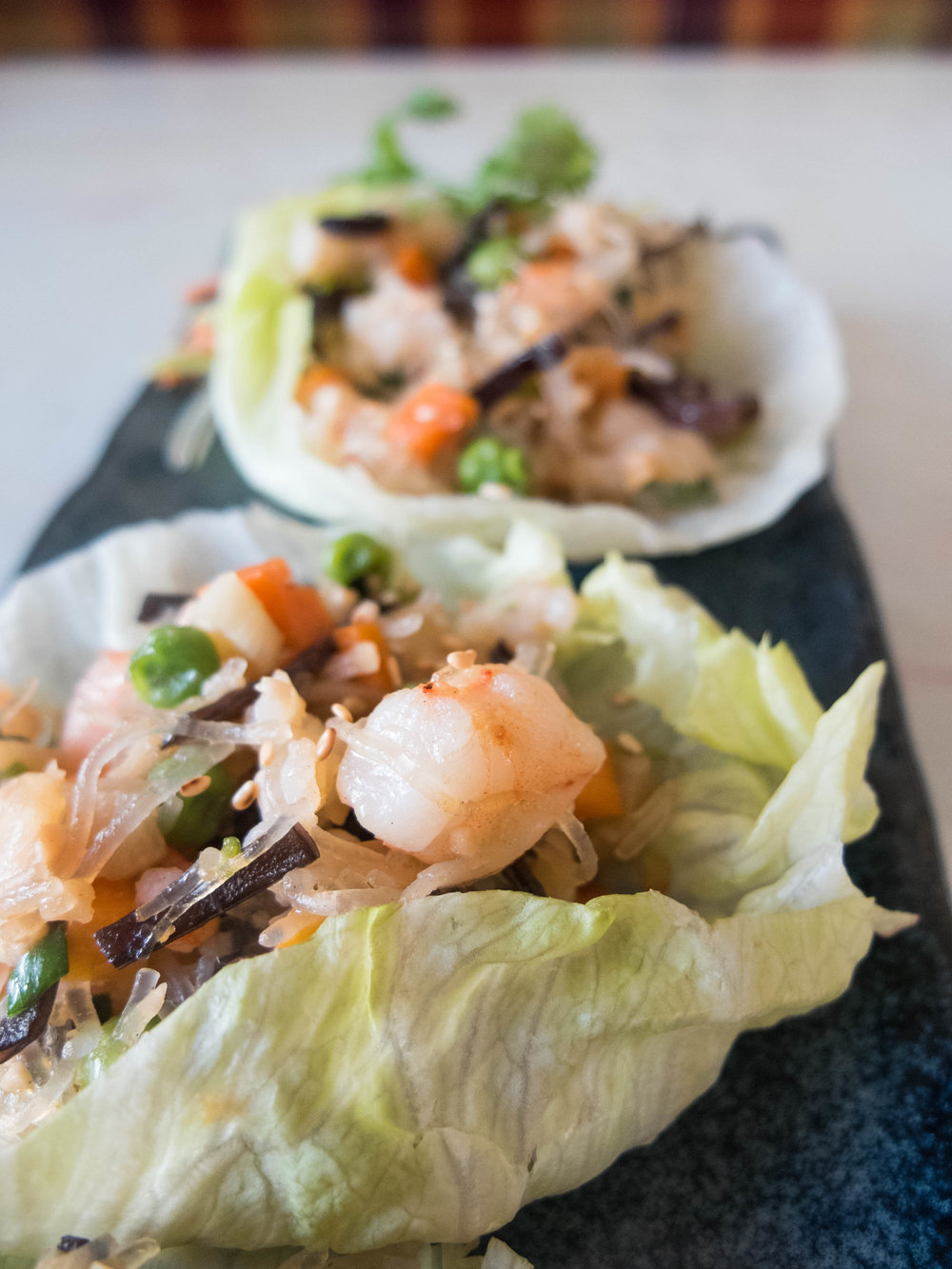 Lettuce bowls of a Malaysian mix