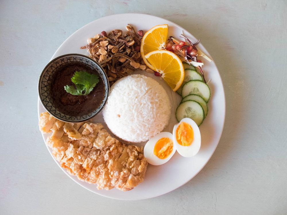 A combination platter