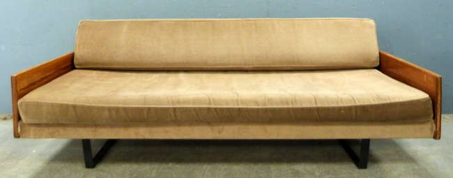 Hille modern design sofa estimated at £300-500.