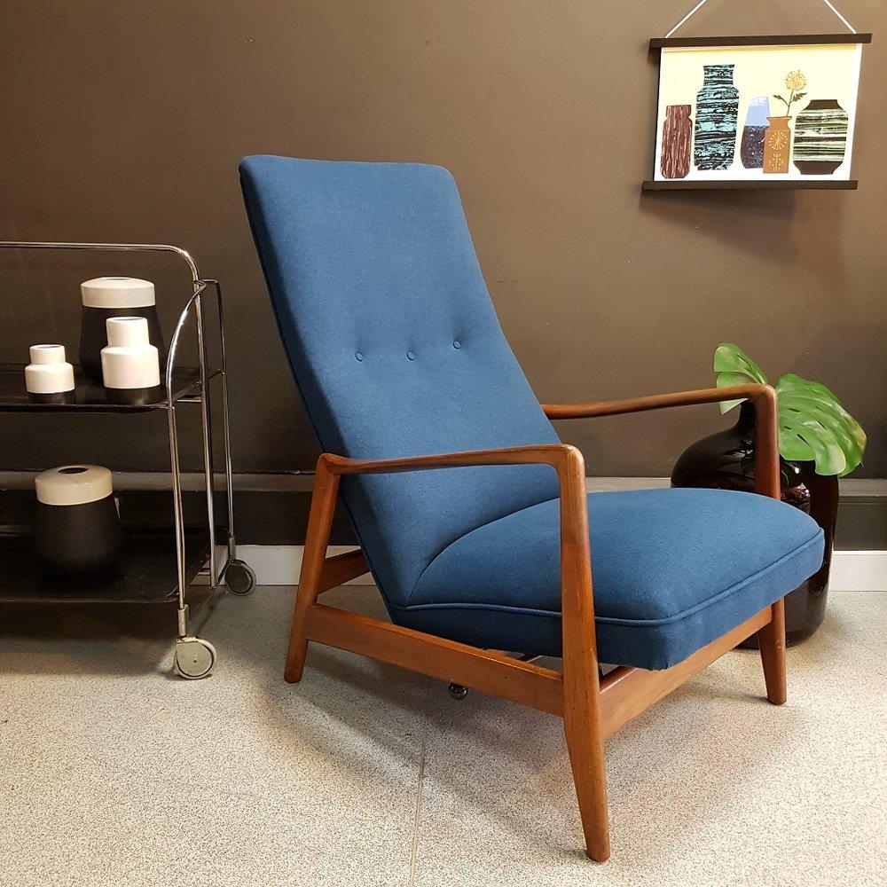 Teal recliner chair 2.jpg
