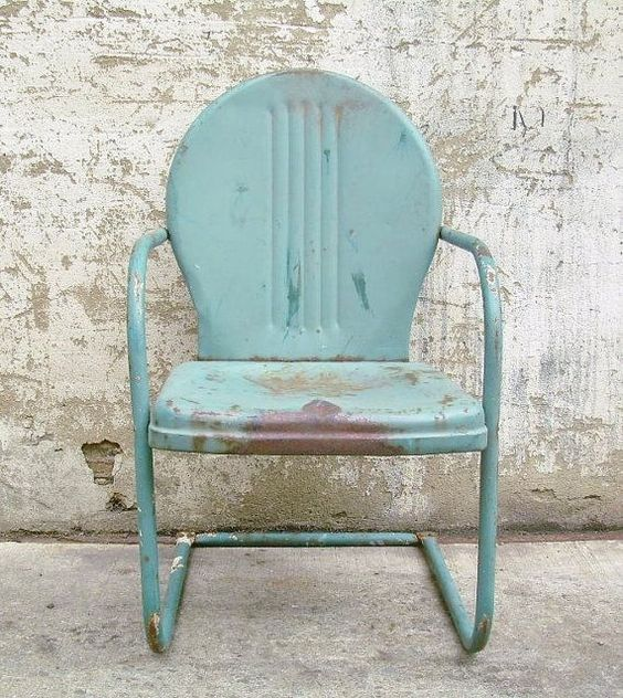 Metal Lawn Chair - Image from Pinterest