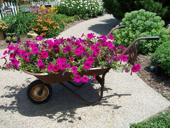 Image credit: Pinterest - A wheelbarrow planter