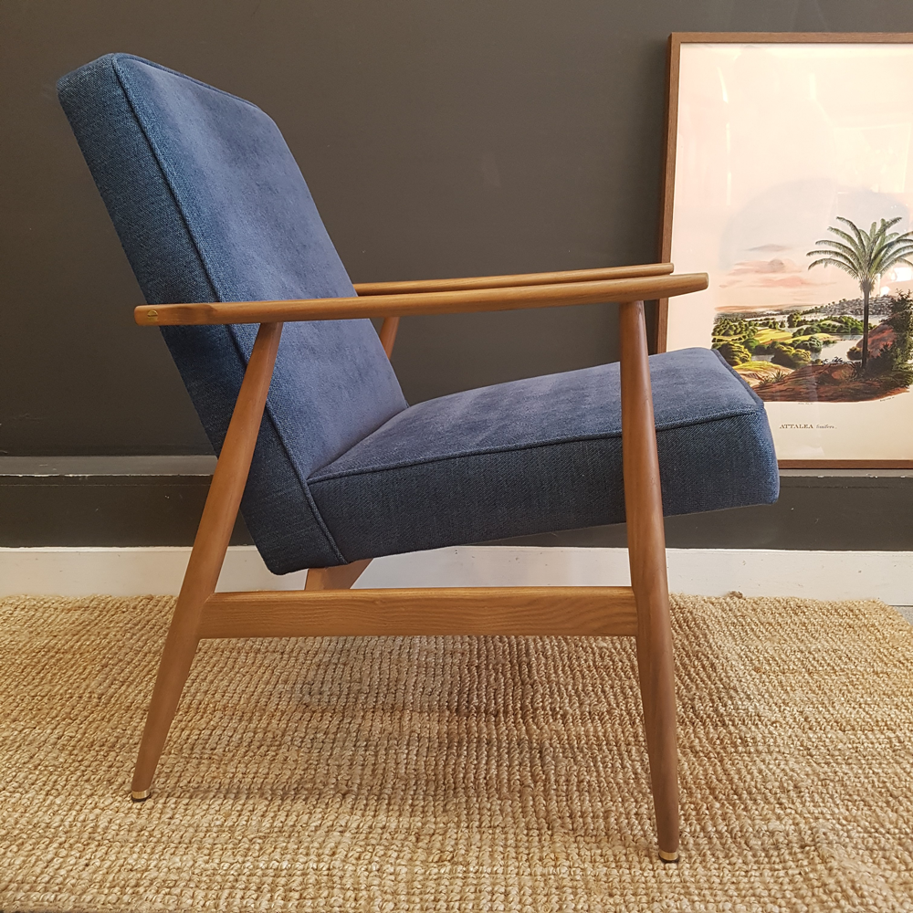 Mosey-Home-Blue-Chair.png