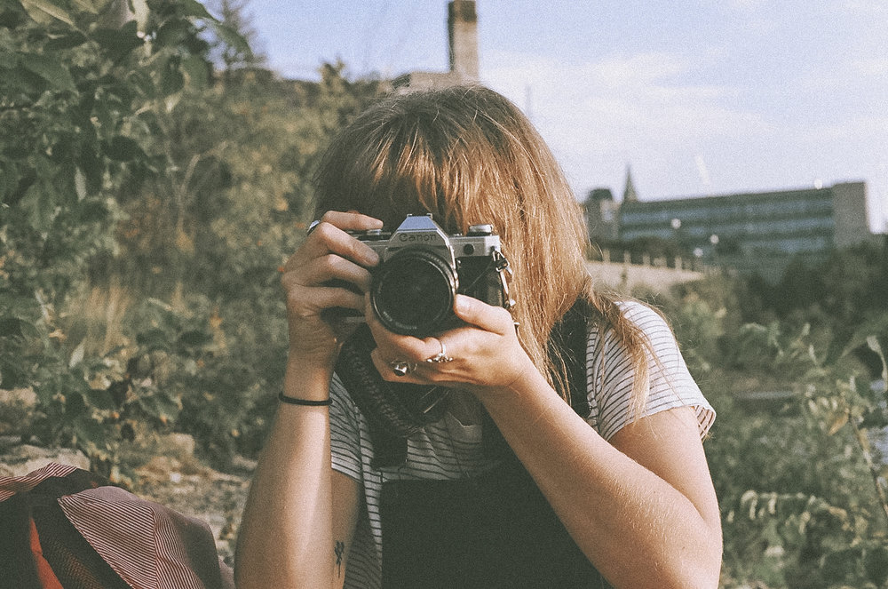 :: filmy frames by kourtney derouin ::