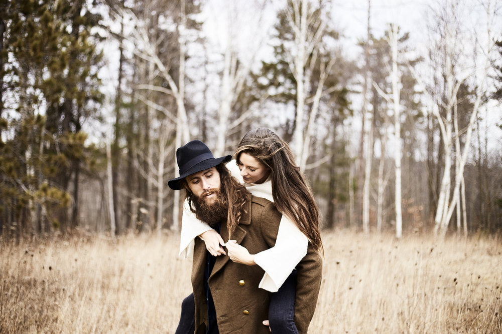 MacKenzie-King-Estate-Couples-Session- 55.jpg