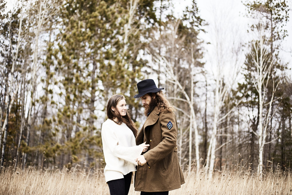 MacKenzie-King-Estate-Couples-Session- 73.jpg