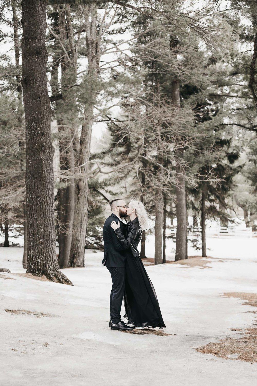 Ottawa-Elopement-Engagement-Photographer--3.jpg