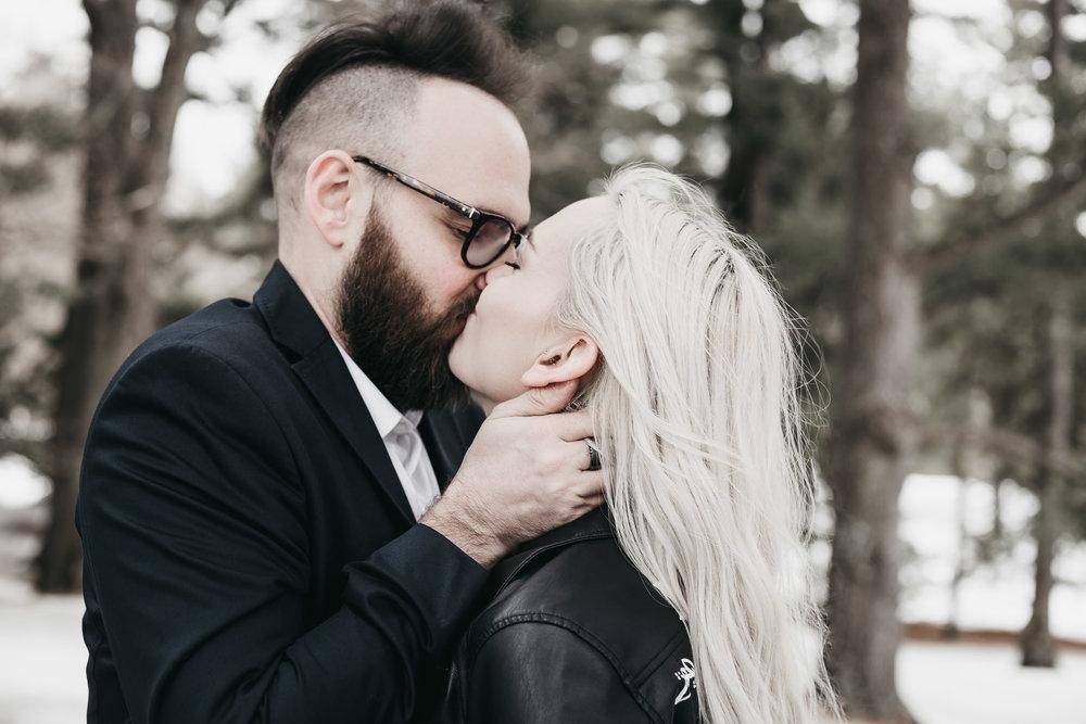 Ottawa-Elopement-Engagement-Photographer--14.jpg